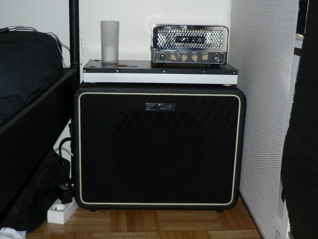 http://gwenael.gardet.free.fr/photos/ampli-guitare/P1120038.JPG